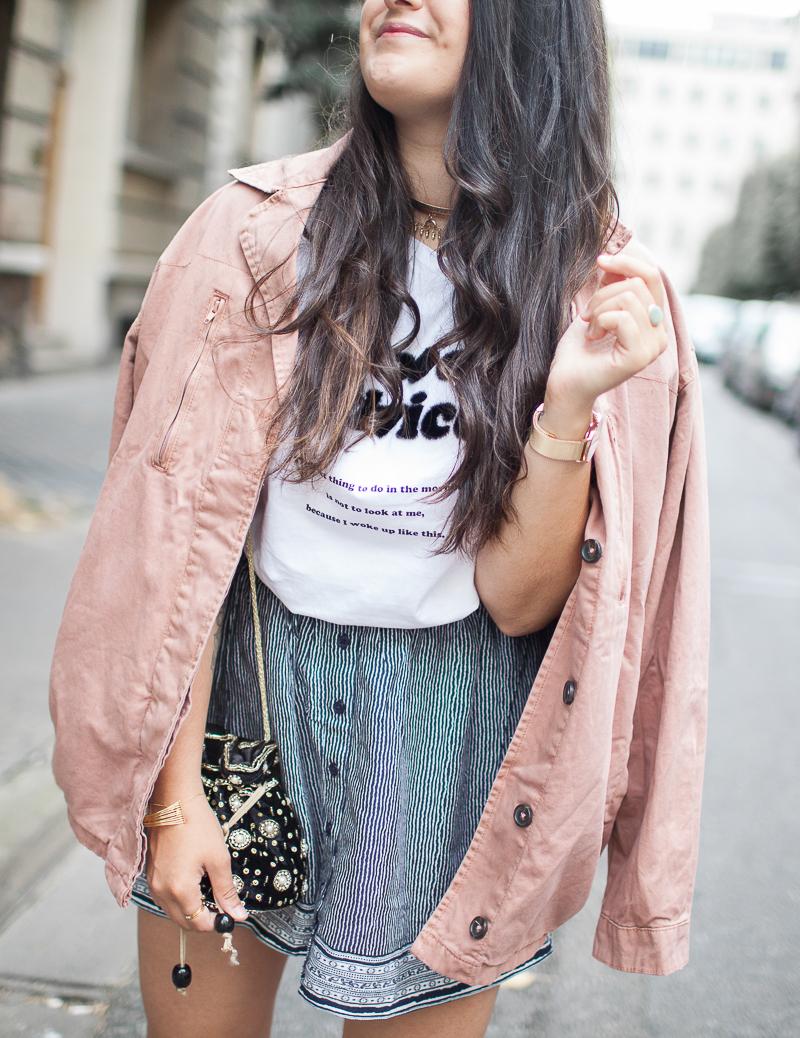 La veste en jean rose