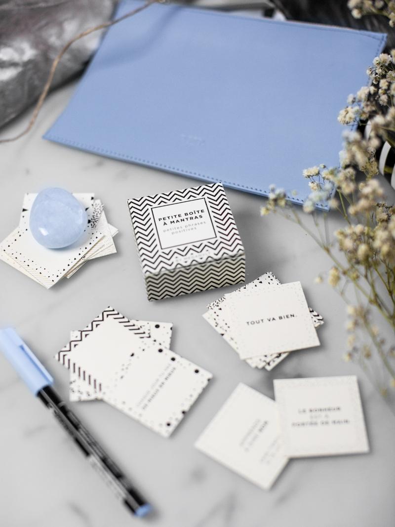 Réciter des mantras : la clé du bonheur + boite DIY (printables)
